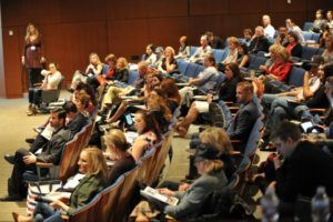 neuroscience-conference-crowd